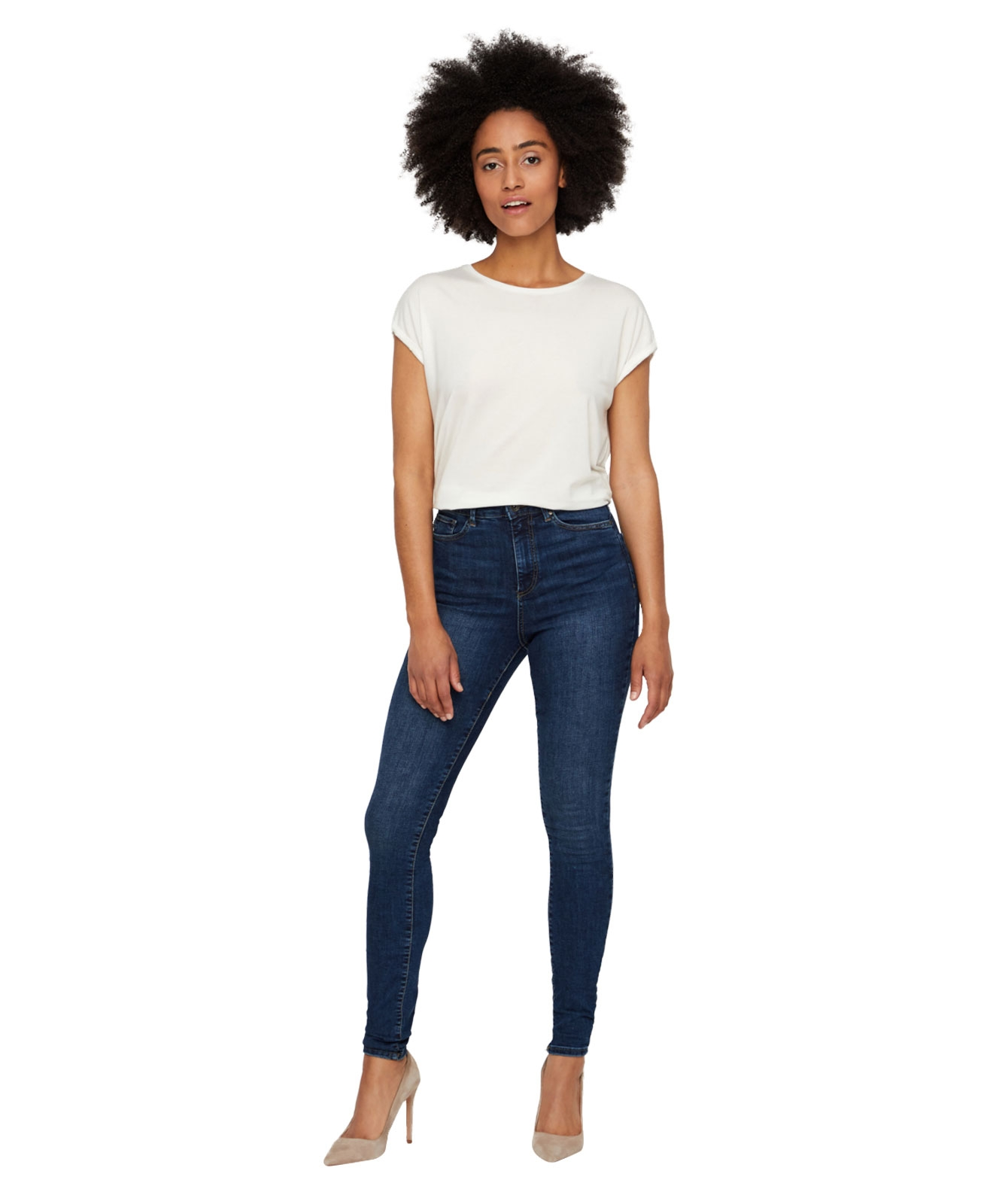 Hosen - Vero Moda Jeans Röhre Sophia in Medium Blue Denim  - Onlineshop Jeans Meile