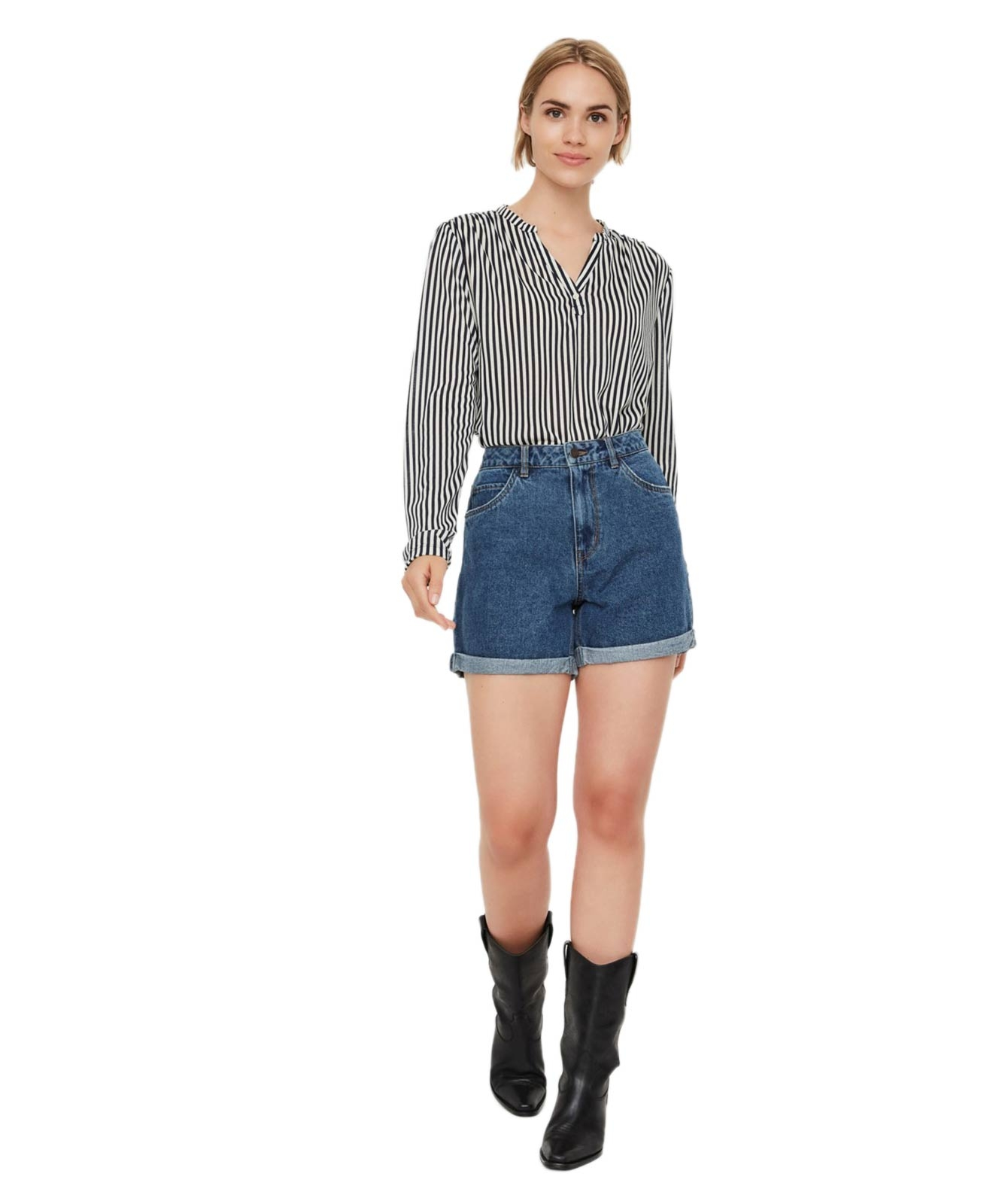 Hosen - Vero Moda Jeans Shorts Ninetten in Medium Blue Denim  - Onlineshop Jeans Meile