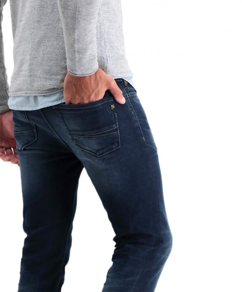 Garcia - Eng geschnittene Jeans in verwaschenem dunkelblau