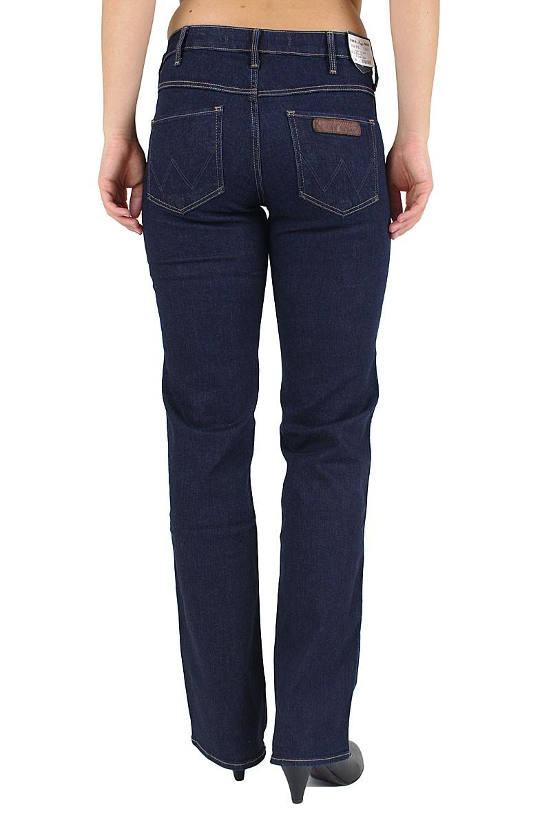 Wrangler Sara Jeans - Straight Leg - Bare Blue