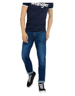 Wrangler Greensboro Jeans in indigoblauer Waschung