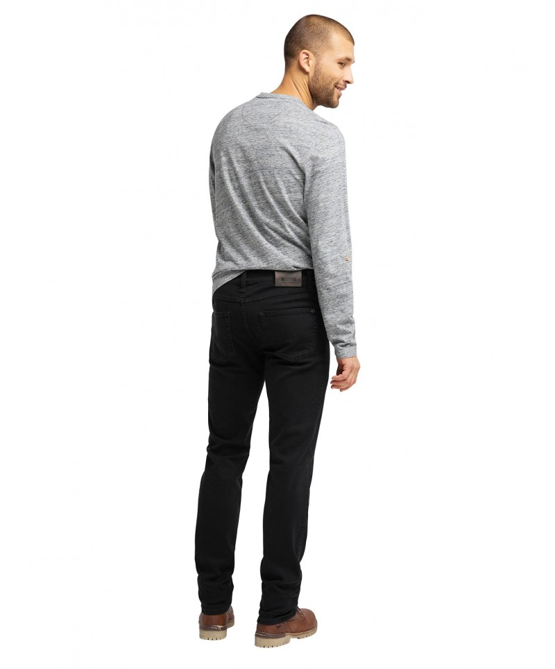 Herren Jeans Tramper Tapered von Mustang in Black