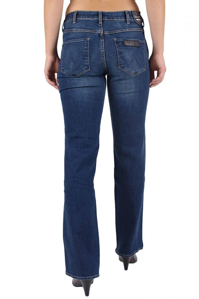 Wrangler Sara Jeans in Scuffed Indigo