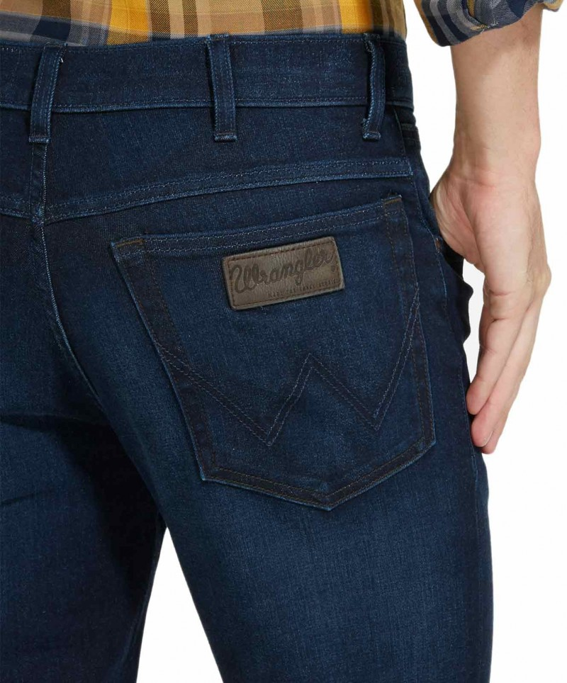 Wrangler Texas Stretch Jeans in coolem Dunkelblau f01