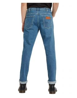 Wrangler Greensboro - blaue Stonewash Jeans mit geradem Bein - Seite