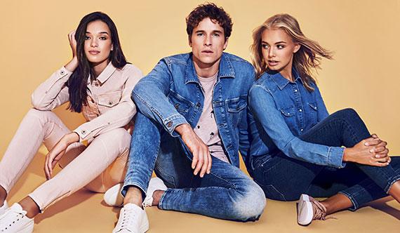Shoppe hier die angesagtesten Jeans Farben